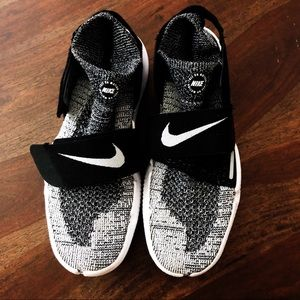 Nike Free RN Motion Running Shoes